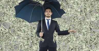 Με πόσα χρήματα θεωρείται κάποιος πλούσιος σήμερα  - Κεντρική Εικόνα