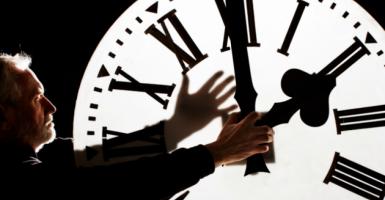 Όταν ο Φραγκλίνος εμπνεύστηκε την αλλαγή ώρας - Κεντρική Εικόνα