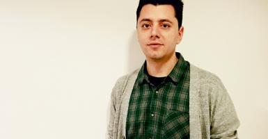 Ο 32χρονος που έκανε έπιπλα από αγριαγκινάρα για το εστιατόριο Selfridges του Λονδίνου (video) - Κεντρική Εικόνα