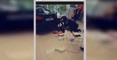 Επίθεση με 1 νεκρή και 9 τραυματίες σε εμπορικό κέντρο της Πολωνίας (video) - Κεντρική Εικόνα