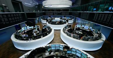 Κέρδη στις ευρωαγορές έφεραν Λονδίνο και Ρώμη - Κεντρική Εικόνα