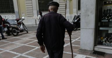ΕΚΑΣ: Δικαστική απόφαση ανοίγει δρόμο για αναδρομικά σε χιλιάδες χαμηλοσυνταξιούχους - Κεντρική Εικόνα