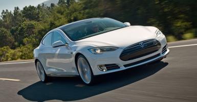 Η Tesla ανακαλεί 123.000 Model S - Κεντρική Εικόνα