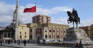 Οι Αλβανοί είναι οι καλύτεροι... πελάτες των Ελλήνων επενδυτών - Κεντρική Εικόνα