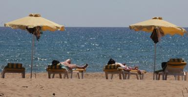 «Απόβαση», στην Ελλάδα, υψηλού τουρισμού από τα Ηνωμένα Αραβικά Εμιράτα - Κεντρική Εικόνα