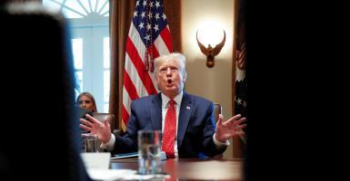 Για κατάχρηση εξουσίας και παρεμπόδιση Κογκρέσου η παραπομπή Τραμπ - Κεντρική Εικόνα