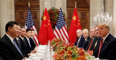 Τραμπ σε Κίνα: Μόνο με τους όρους των ΗΠΑ, η συμφωνία για το εμπόριο - Κεντρική Εικόνα
