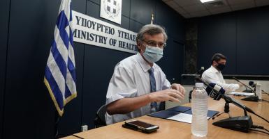 Κορωνοϊός: 207 νέα κρούσματα, 5 ακόμη θάνατοι - Κεντρική Εικόνα