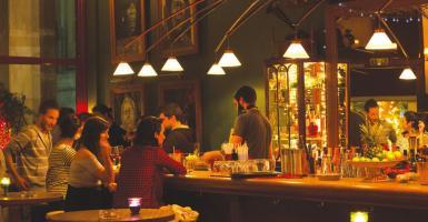 Μικρά, «κρυφά» μπαρ στην Αθήνα για να απολαύσετε... τζαζ - Κεντρική Εικόνα
