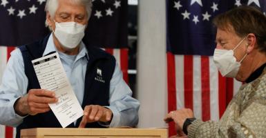 Εκλογές ΗΠΑ: Η ώρα της κάλπης μέσα σε κλίμα πόλωσης - Κεντρική Εικόνα