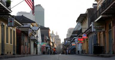 Ραγδαία αύξηση των αιτήσεων για επίδομα ανεργίας στις ΗΠΑ - Κεντρική Εικόνα