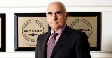 Θεόδωρος Βασιλάκης: Ο κρητικός επιχειρηματίας που μας ταξίδεψε στους ουρανούς - Κεντρική Εικόνα