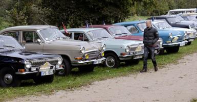 Δημοπρασία με... βιντάζ σοβιετικά αυτοκίνητα στη Φινλανδία - Κεντρική Εικόνα