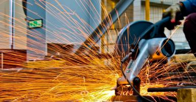Οριακή αύξηση της βιομηχανικής παραγωγής στην Ελλάδα - Κεντρική Εικόνα
