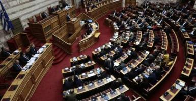 Στη Βουλή δύο νομοσχέδια για επέκταση αιγιαλίτιδας ζώνης και τα Rafale - Κεντρική Εικόνα