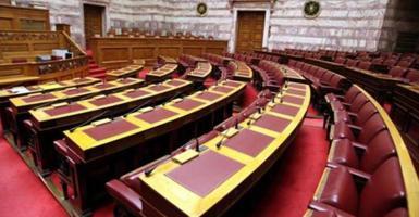 Υπερψηφίστηκε η τροπολογία του ΥΠΟΙΚ για το ιπποδρομιακό στοίχημα - Κεντρική Εικόνα