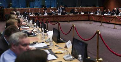 Les Echos: Η Ελλάδα βλέπει σήμερα το τέλος του τούνελ στις Βρυξέλλες - Κεντρική Εικόνα