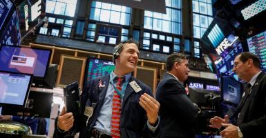 Σπάει το φράγμα των 26.000 μονάδων ο Dow Jones - Κεντρική Εικόνα