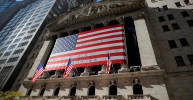 «Πάρτι» στη Wall Street: Έσπασε το φράγμα των 30.000 μονάδων ο Dow Jones - Κεντρική Εικόνα