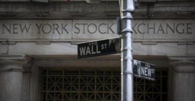 Οι νέες απώλειες του πετρελαίου παρέσυραν τη Wall Street - Κεντρική Εικόνα