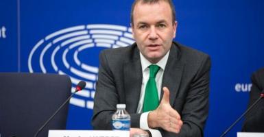 Βέμπερ: Είναι θέμα χρόνου η ιταλική κυβέρνηση να υποχωρήσει στο θέμα του χρέους - Κεντρική Εικόνα