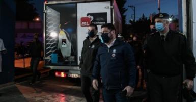 Κορωνοϊός: Στην Αθήνα τα πρώτα εμβόλια - Ξεκινούν την Κυριακή οι εμβολιασμοί (Photos/Video) - Κεντρική Εικόνα