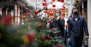«Φρένο» στα σχέδια των Ευρωπαίων για τις γιορτές βάζει η πανδημία - Κεντρική Εικόνα