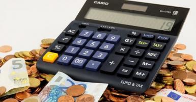 «Βουνό» τα χρέη: Στα 146,9 δισ. ευρώ οι οφειλές νοικοκυριών και επιχειρήσεων προς Εφορία και ΕΦΚΑ! - Κεντρική Εικόνα