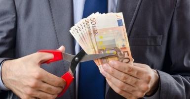 Σε διαγραφή χρεών δεκάδων δισ. ευρώ προχωράει η εφορία! - Κεντρική Εικόνα