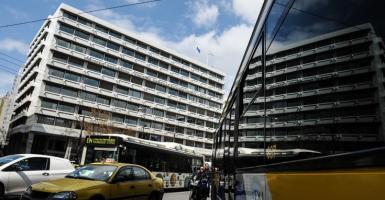 Τρίμηνη αναστολή δόσεων για ρυθμίσεις προστασίας α' κατοικίας και εξωδικαστικού - Κεντρική Εικόνα