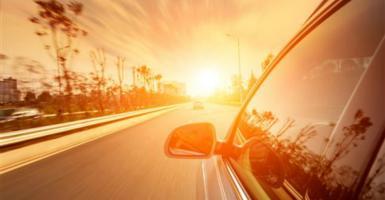 Εύφλεκτο υλικό το αυτοκίνητο σε συνθήκες καύσωνα - Κεντρική Εικόνα