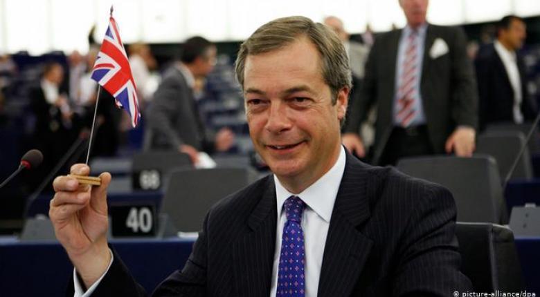 Observer: Πρωτιά στο Κόμμα Brexit του Φάρατζ - Κεντρική Εικόνα