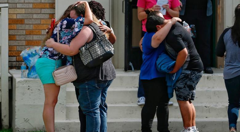 Πυροβολισμοί σε λύκειο του Τέξας - Τουλάχιστον 10 νεκροί - Κεντρική Εικόνα