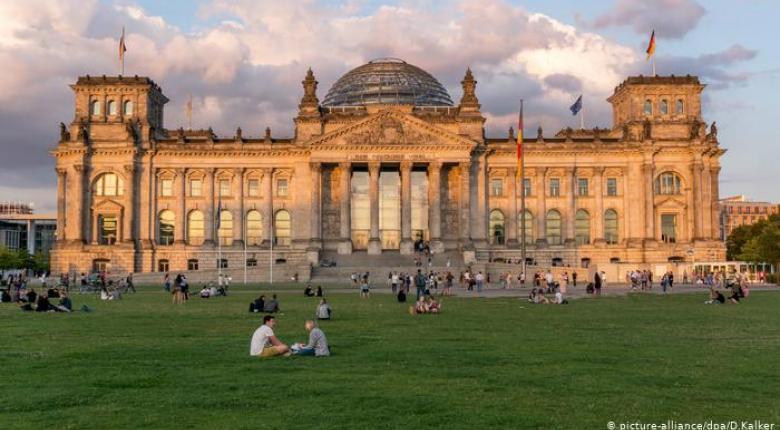 Νευρικότητα στο Βερολίνο ενόψει ευρωεκλογών - Κεντρική Εικόνα