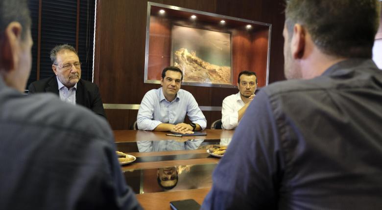 Τσίπρας από Νεώριο Σύρου: Πρώτος στόχος της μεταμνημονιακής περιόδου είναι οι δουλειές - Κεντρική Εικόνα