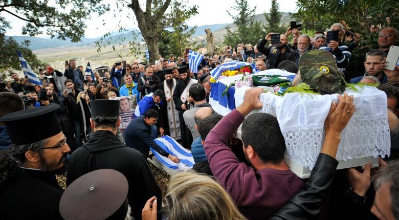 Δώδεκα προσαγωγές από τις αλβανικές αρχές μετά την κηδεία του Κωνσταντίνου Κατσίφα - Κεντρική Εικόνα