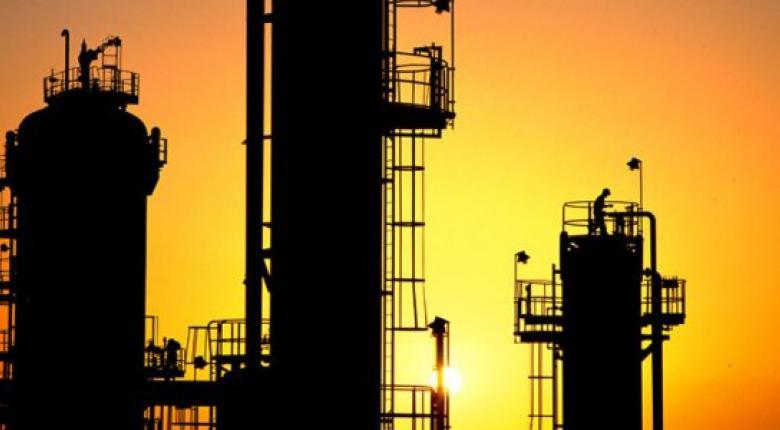 Πτωτική η πορεία της αγοράς πετρελαιοειδών καυσίμων στο διάστημα 2010 - 2016 - Κεντρική Εικόνα