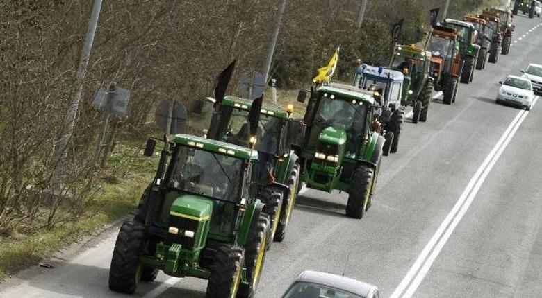 Τα τρακτέρ ζεστάθηκαν: Μπλόκα σε όλη την Ελλάδα αποφάσισαν οι αγρότες - Κεντρική Εικόνα