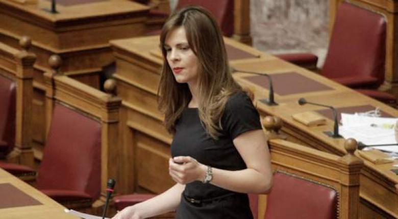 Aντιπαράθεση Αχτσιόγλου - Παφίλη στη Βουλή για το θέμα των απεργιών - Κεντρική Εικόνα