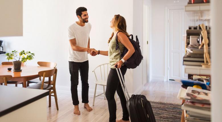 «Φρενάρει» μετά από 6 χρόνια ανόδου το Airbnb - Κεντρική Εικόνα
