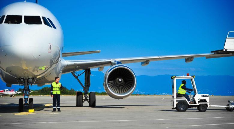 Γνωστή αεροπορική ζήτησε συγγνώμη από 21χρονη για το... «σκεπάσου αλλιώς κατέβα από το αεροπλάνο» (photo) - Κεντρική Εικόνα