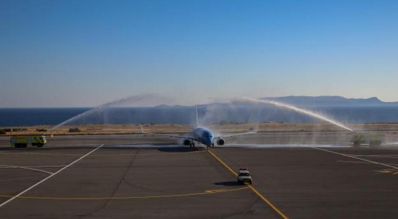 Τουρισμός: Με αψίδες νερού οι πρώτες πτήσεις αλλά και με έκδηλη την ανησυχία εισαγωγής κρουσμάτων (Photos/Video) - Κεντρική Εικόνα