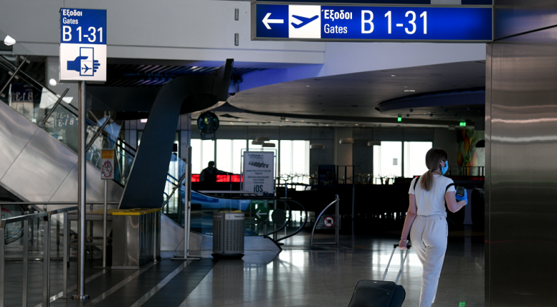 Ανοίγουν από σήμερα οι πύλες των διεθνών αεροδρομίων σε Αθήνα και Θεσσαλονίκη - Τα μέτρα προστασίας για επιβάτες και προσωπικό - Κεντρική Εικόνα