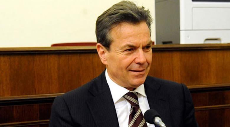 Πετρόπουλος: Απαλλάσσονται ασφαλιστικών εισφορών όσοι αμείβονται με απόδειξη δαπάνης - Κεντρική Εικόνα
