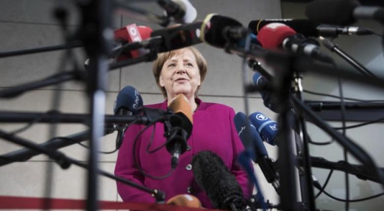 SZ: Δίκοπο μαχαίρι για Μέρκελ η συμμετοχή του ΔΝΤ - Κεντρική Εικόνα