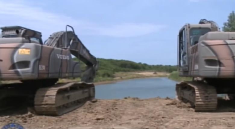 Συνεχίζεται η κατασκευή της αντιαρματικής τάφρου στον Έβρο (video) - Κεντρική Εικόνα