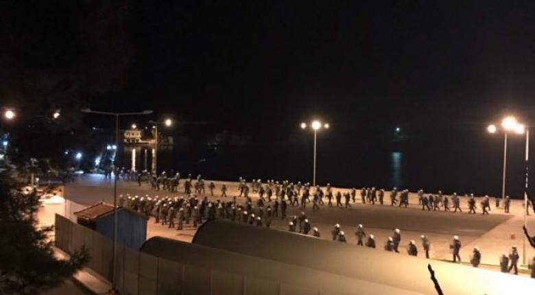 Προσφυγικό: Σοβαρά επεισόδια σε Λέσβο και Χίο - Οδοφράγματα κατά των κλειστών κέντρων (Photo/Video) - Κεντρική Εικόνα
