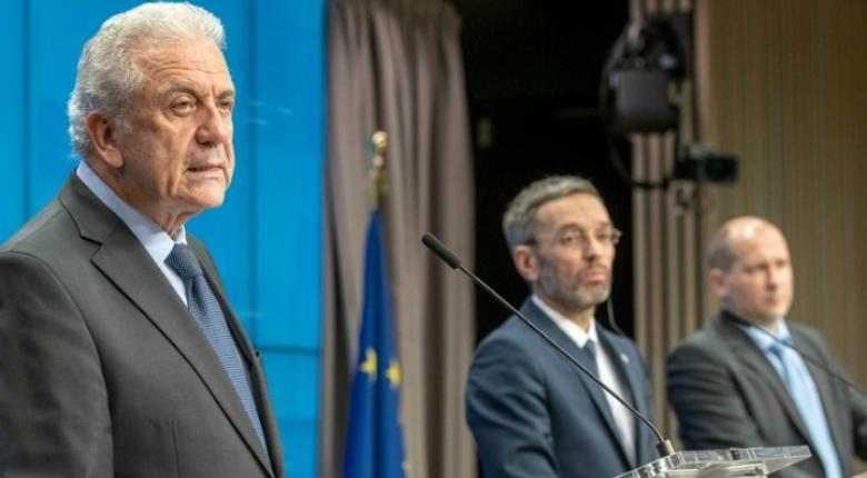 Αβραμόπουλος: Να μην αφήσουμε την Ελλάδα και άλλο κράτος υπό πίεση στο μεταναστευτικό - Κεντρική Εικόνα
