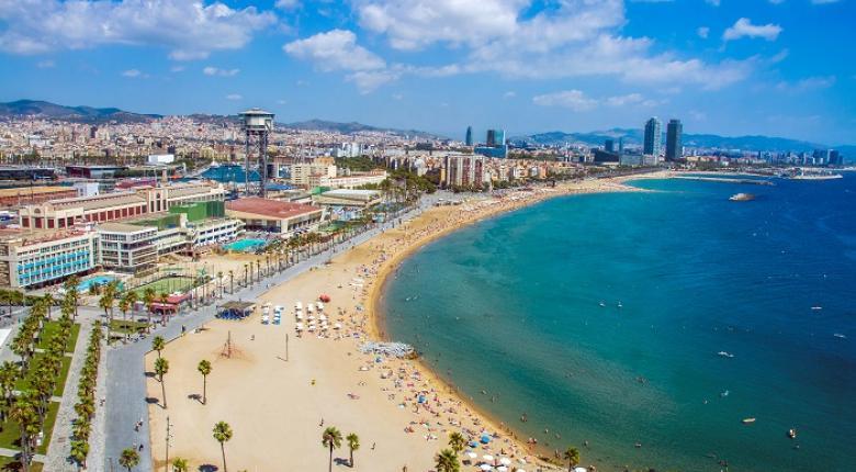 Εκκενώθηκε παραλία της Βαρκελώνης έπειτα από τον εντοπισμό εκρηκτικού μηχανισμού στη θάλασσα - Κεντρική Εικόνα