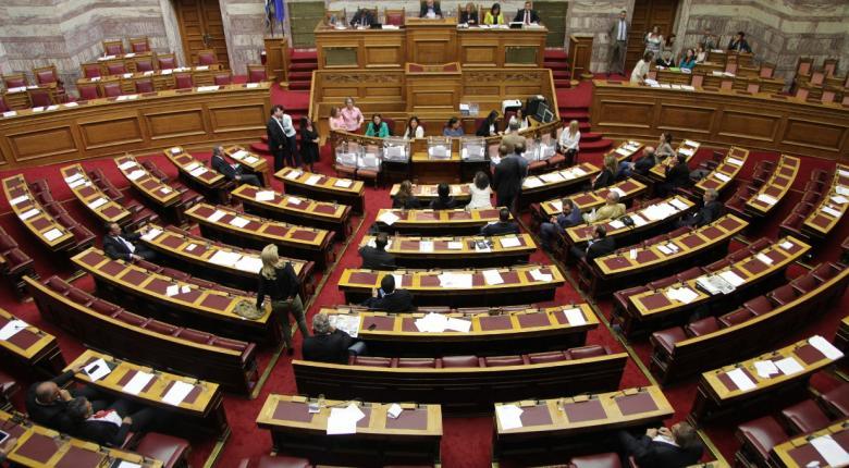 Στη Βουλή η δικογραφία για τους βουλευτές της ΧΑ Γ. Λαγό και Ν. Μίχο για την επίθεση στην Ηλιούπολη - Κεντρική Εικόνα